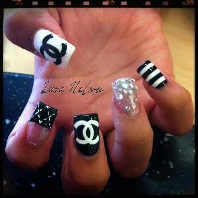 дизайн ногтей шанель микс
