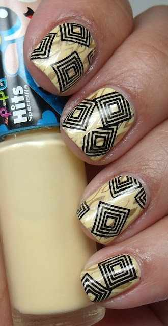 геометрический дизайн ногтей вложенные квадратики