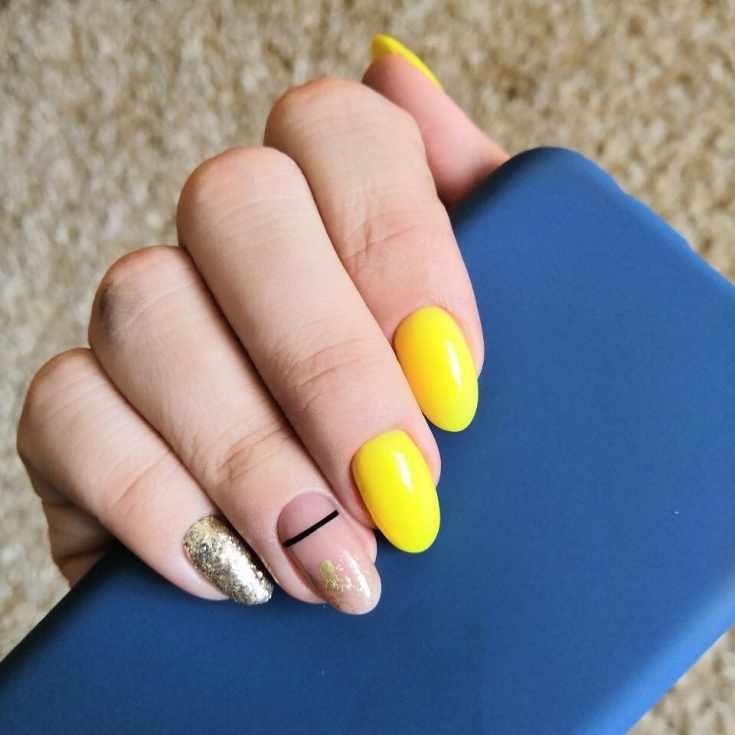 Жёлтый миндальный маникюр