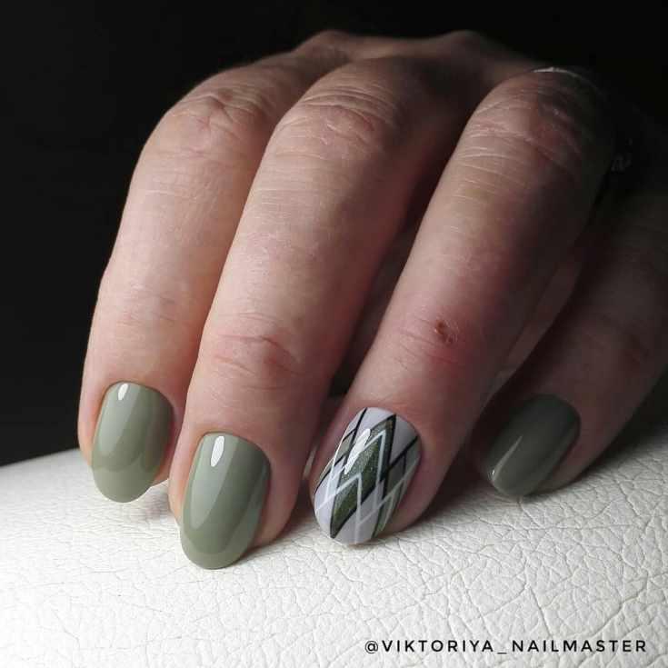 Зелёный маникюр на короткие ногти