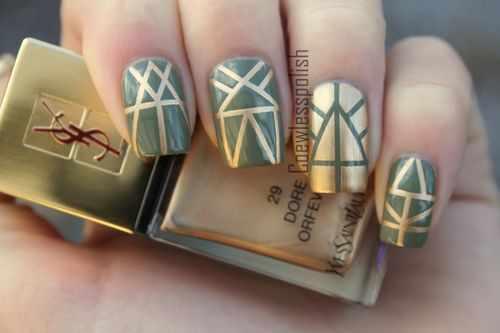 геометрический дизайн ногтей золотой зелёный