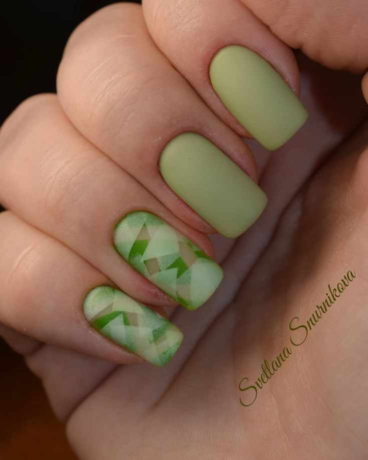 оливковый зеленый маникюр