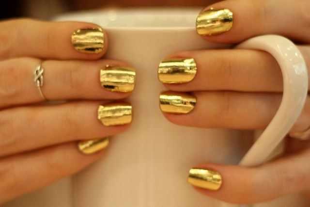 золотой дизайн ногтей кружка