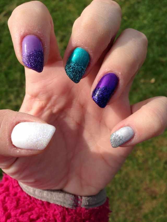 косой дизайн ногтей разноцветный