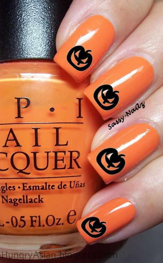 оранжевый маникюр ногтей тыква