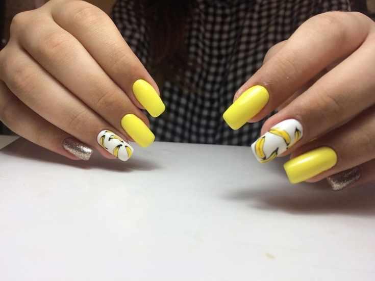 Жёлтый маникюр на длинные ногти