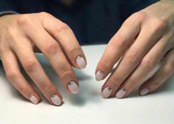 JamAdvice_com_ua_how-to-make-a-moon-manicure-08