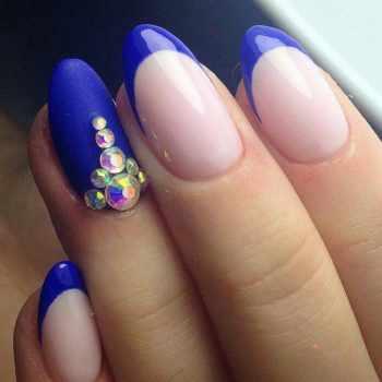 JamAdvice_com_ua_blue-nail-art-with-rhinestones_20