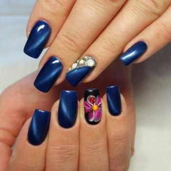 JamAdvice_com_ua_blue-nail-art-with-rhinestones_14