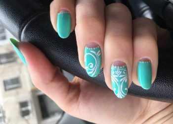 JamAdvice_com_ua_colorful-moon-manicure-41