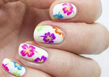 JamAdvice_com_ua_flowers-in-spring-manicure-23