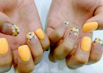 JamAdvice_com_ua_negative-space-in-the-spring-manicure-03