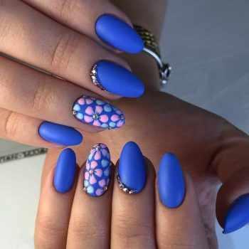 JamAdvice_com_ua_blue-nail-art-with-rhinestones_15