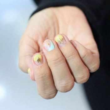 JamAdvice_com_ua_Neon-manicure-Spring_10