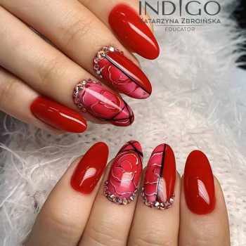 JamAdvice_com_ua_red-nail-art-with-drawings_10