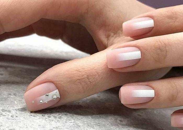 Матовые ногти квадратной формы