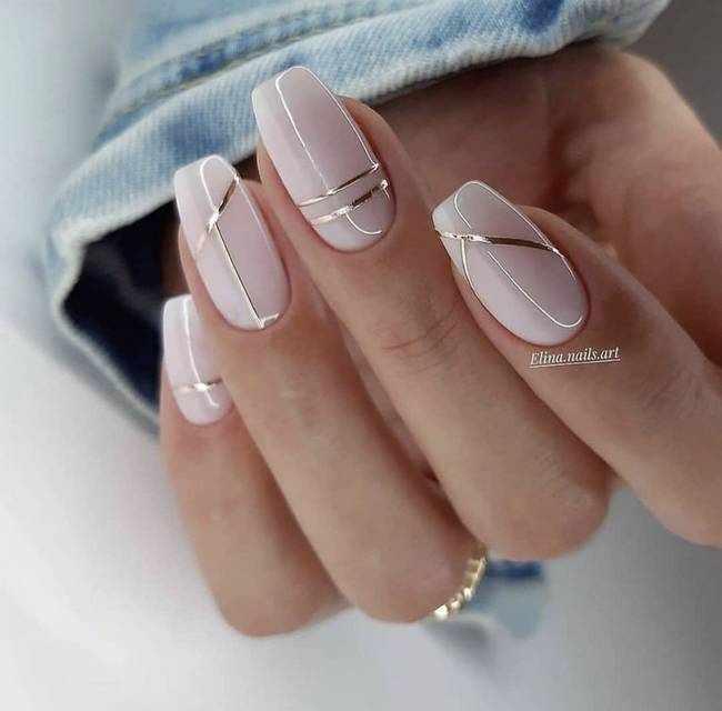 Модный дизайн ногтей с серебром