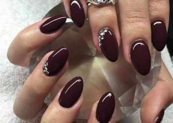JamAdvice_com_ua_claret-manicure-with-rhinestones-05