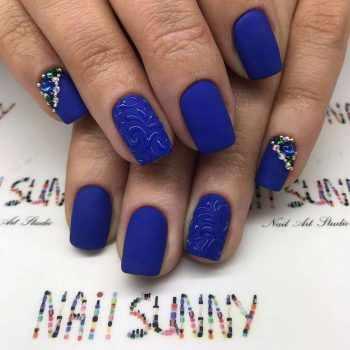 JamAdvice_com_ua_blue-nail-art-with-rhinestones_21