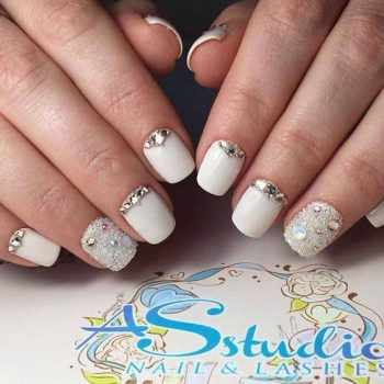 JamAdvice_com_ua_fashion-manicure-for-short-nails_1