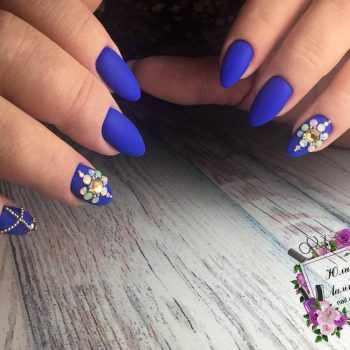 JamAdvice_com_ua_blue-nail-art-with-rhinestones_6