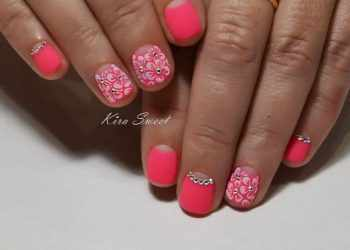 JamAdvice_com_ua_colorful-moon-manicure-17