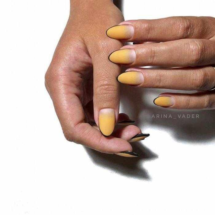 Желтый матовый дизайн ногтей