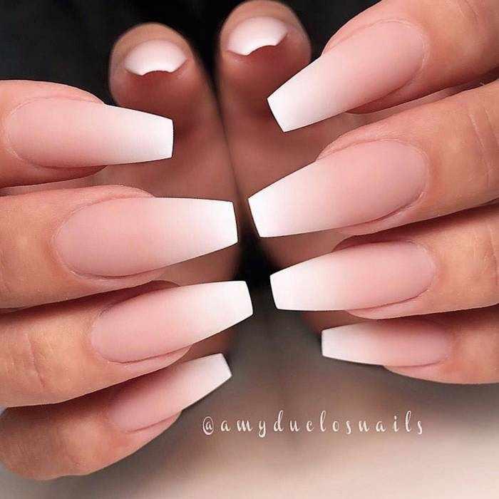 Матовый омбре на ногтях