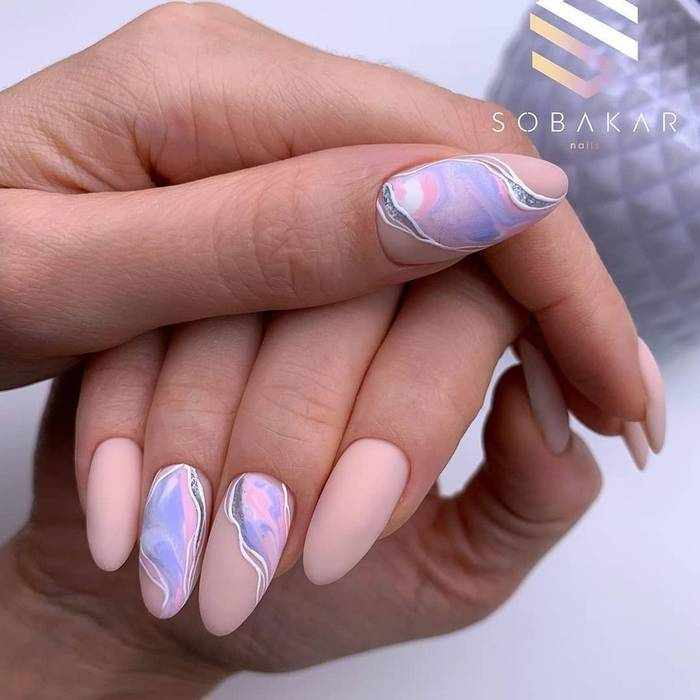 Длинные матовые ногти