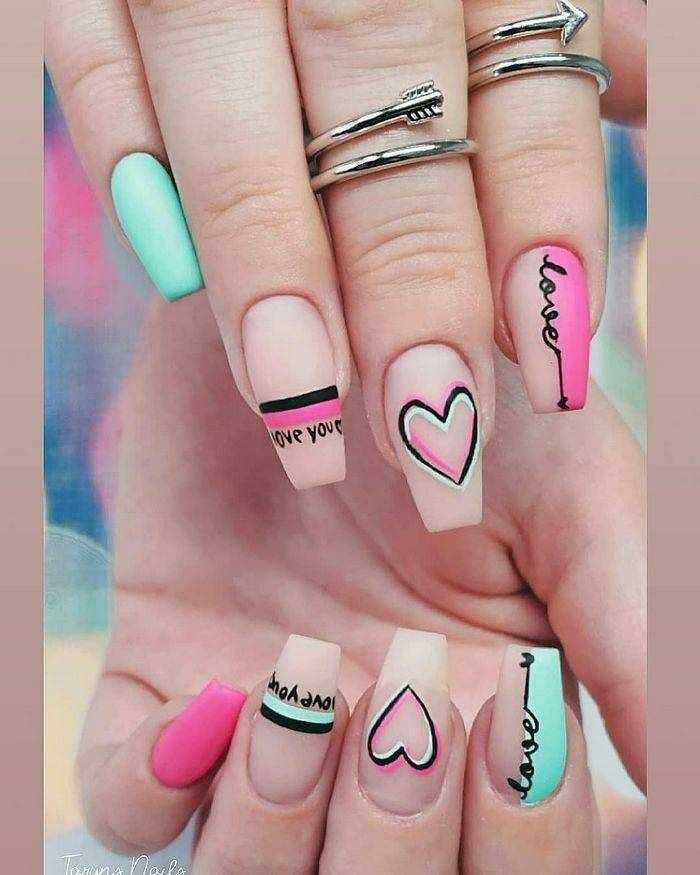 Матовый дизайн ногтей на форму Балерина