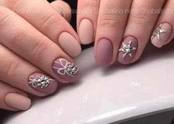 JamAdvice_com_ua_Drawings-on-the-nails-on-the-new-year-theme-13