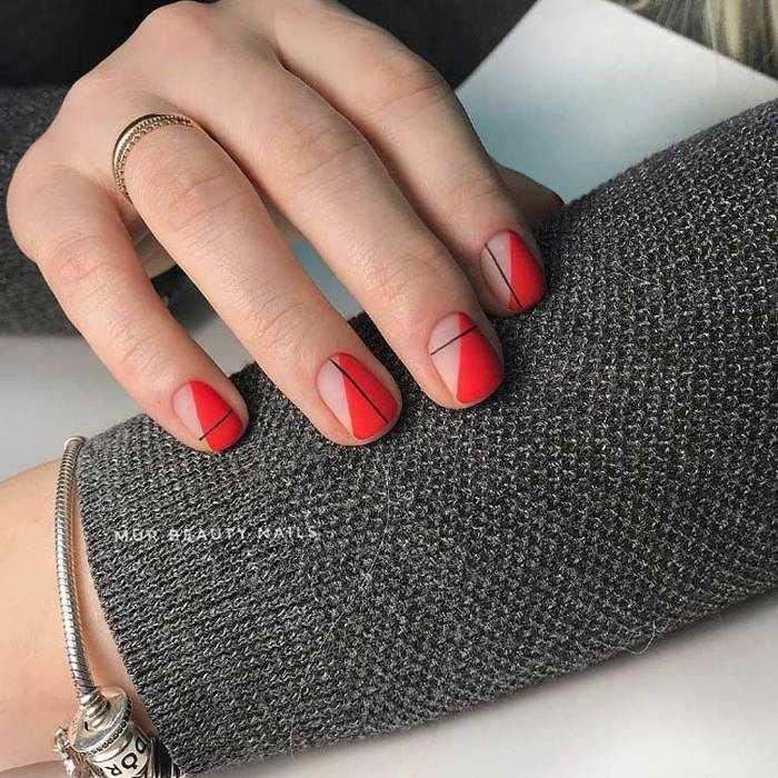 Матовые короткие ногти
