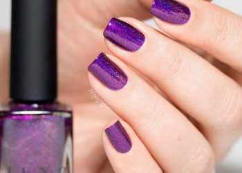 JamAdvice_com_ua_Monochrome-summer-manicure-summer-nails-colors-purple-holo-polish