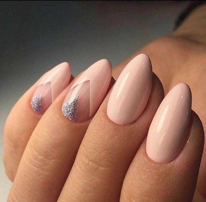 Стильные нюдовые ногти