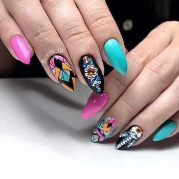 JamAdvice_com_ua_drawings-on-nails-rhinestones-1