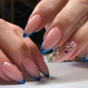 JamAdvice_com_ua_drawings-on-nails-rhinestones-4