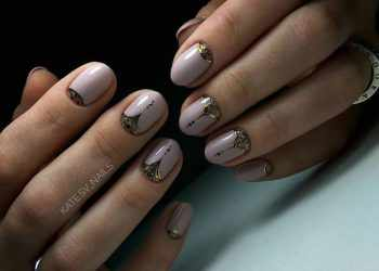 JamAdvice_com_ua_lunar-manicure-with-sparkles-05