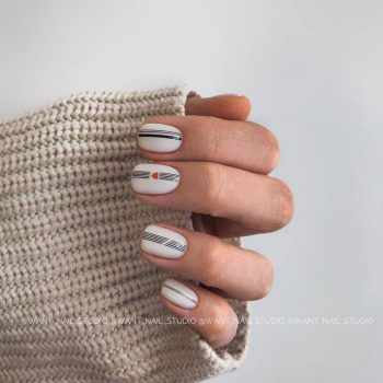 JamAdvice_com_ua_manicure-spring-2019-on-short-nails_21