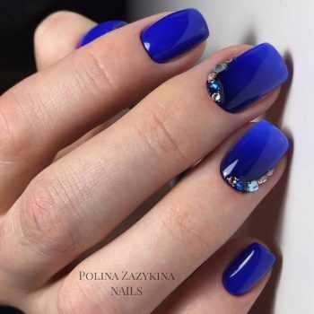 JamAdvice_com_ua_blue-nail-art-with-rhinestones_22