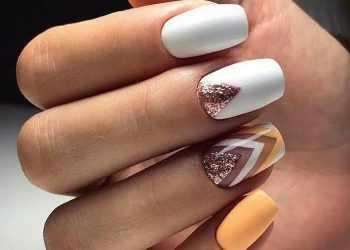 JamAdvice_com_ua_lunar-manicure-with-sparkles-06