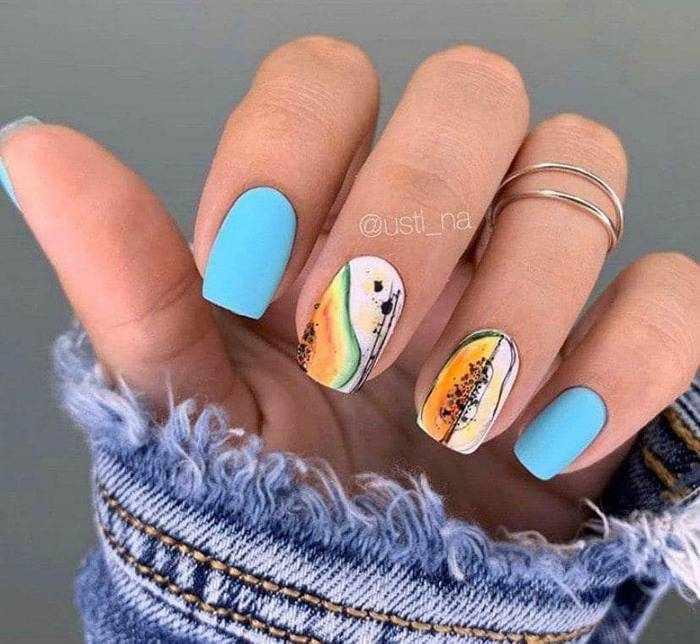 Квадратная форма матовых ногтей