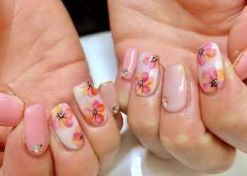 JamAdvice_com_ua_flowers-in-spring-manicure-04