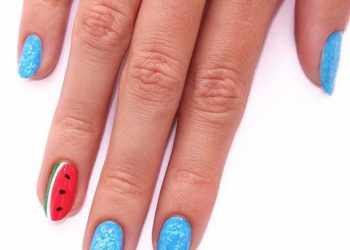 JamAdvice_com_ua_Fruits-and-sweets-hottest-summer-nail-color-blue-marble-watermelon-accent-oval-shape