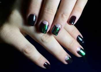 JamAdvice_com_ua_colorful-moon-manicure-46