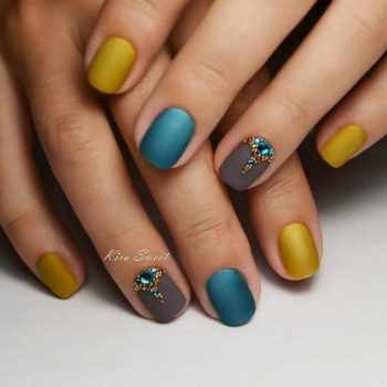 JamAdvice_com_ua_fashion-manicure-for-short-nails_5