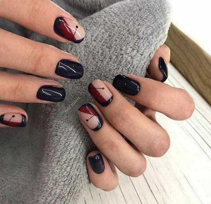 Черная геометрия на ногтях