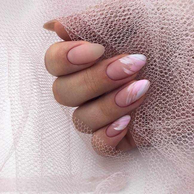 Матовый дизайн ногтей