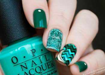 JamAdvice_com_ua_Fruits-and-sweets-nail-designs-for-summer-dark-green-D181hevron-banana-square