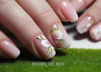 JamAdvice_com_ua_summer-manicure-2018-flowers-1