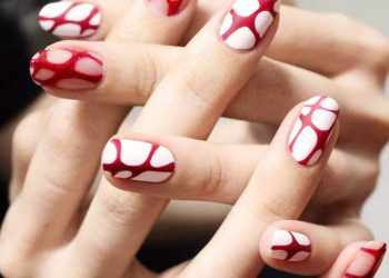 JamAdvice_com_ua_Drawings-on-nails-for-summer-round-nails-designs-white-base-red-pattern